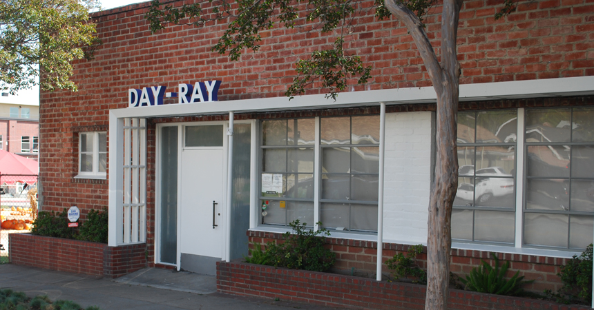 Day Ray Sign